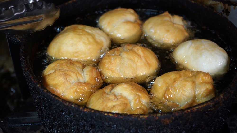 Fried Dumpling cooking